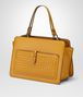 BOTTEGA VENETA BORSA SHOPPING IN NAPPA OCRE Borsa Shopping Donna rp