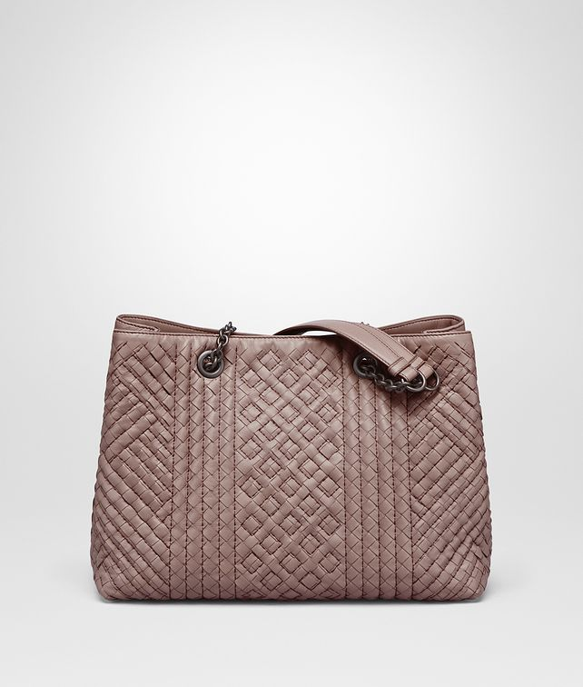 BOTTEGA VENETA MEDIUM TOTE BAG IN DESERT ROSE INTRECCIATO CALF, EMBROIDERY DETAILS Shoulder or hobo bag D fp