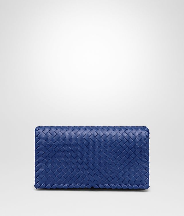 BOTTEGA VENETA COBALT INTRECCIATO NAPPA MEDIUM CLUTCH Clutch Woman fp