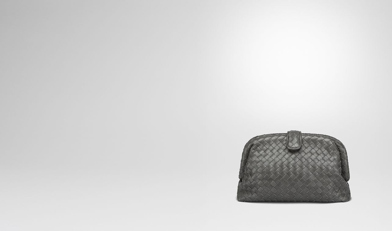 pochette the lauren 1980 en cuir nappa intrecciato light grey sur le dessus landing