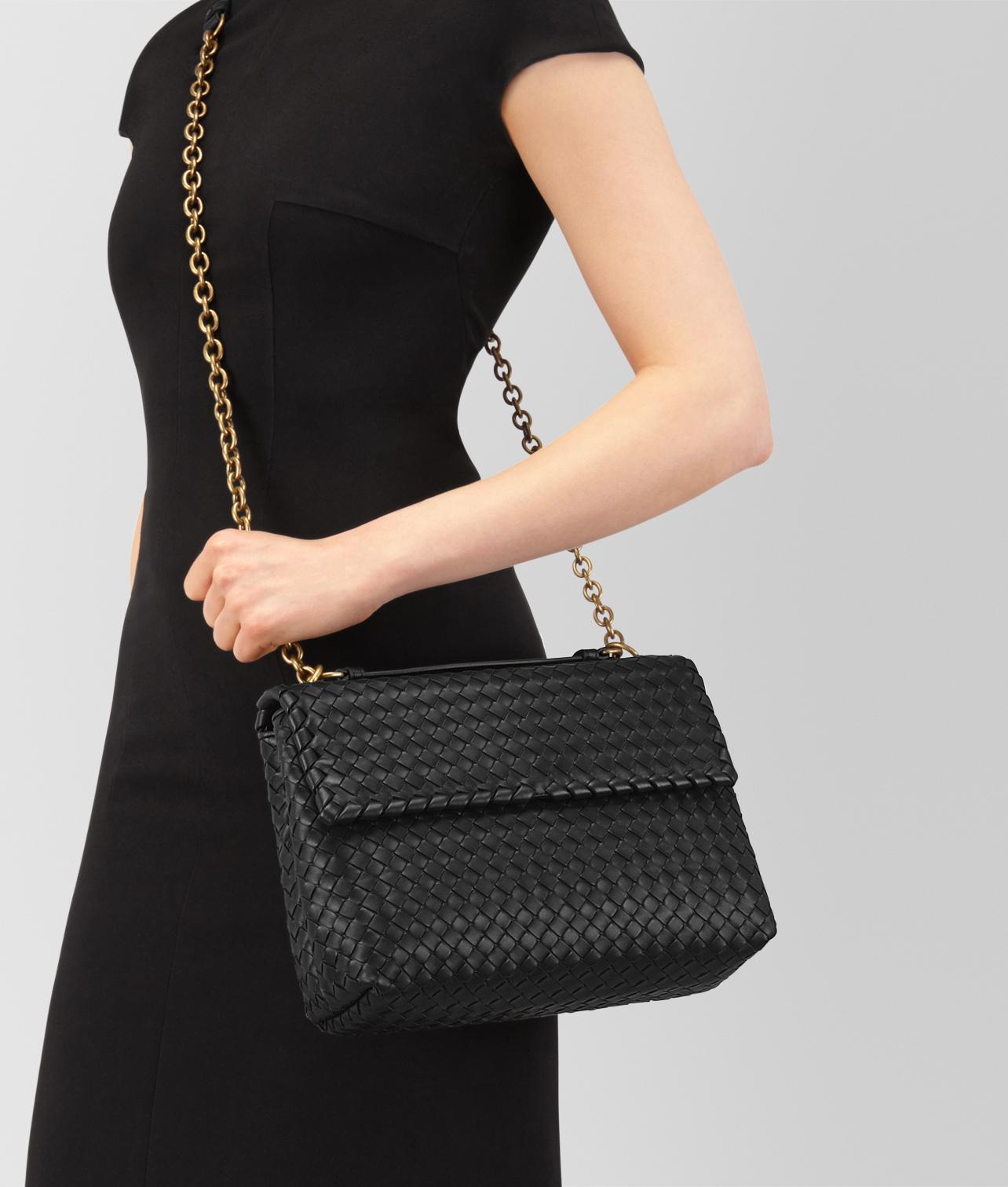 30代の女性に似合うボッテガヴェネタのレディースバッグ
