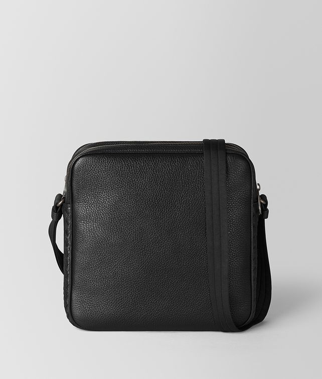 BOTTEGA VENETA NERO CERVO MESSENGER Messenger Bag [*** pickupInStoreShippingNotGuaranteed_info ***] fp
