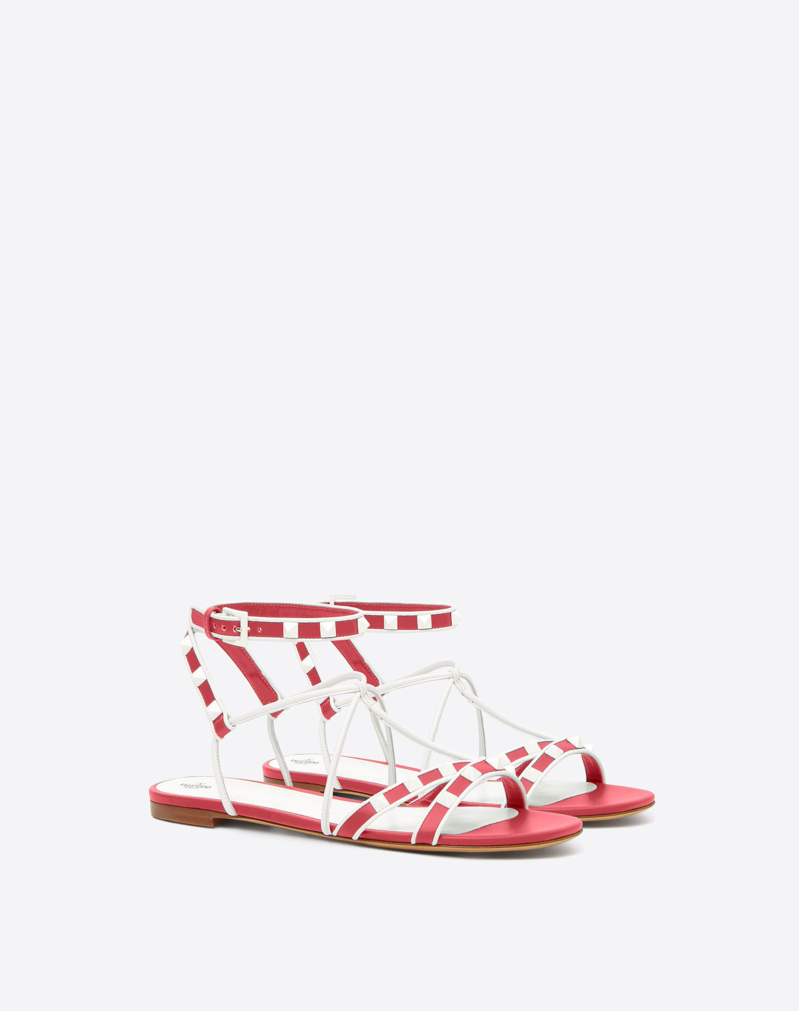 Chaussures plates en daim à bride en T RockstudValentino uCvhsQ3vkh