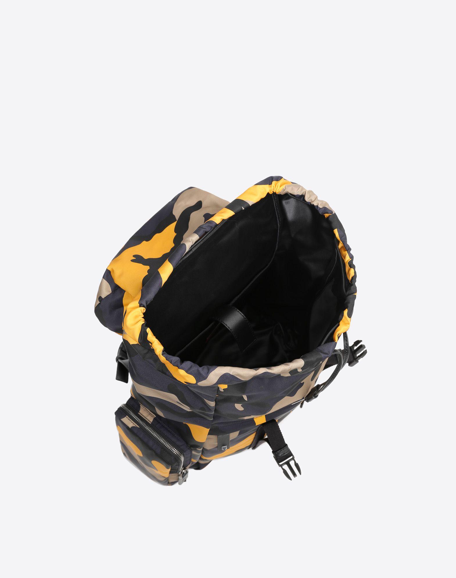 VALENTINO GARAVANI UOMO Camouflage Large Backpack Backpack U e