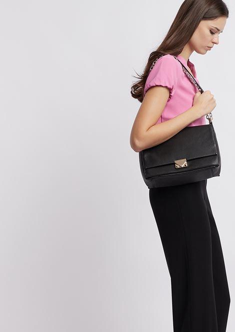Shoulder bag in hammered leather