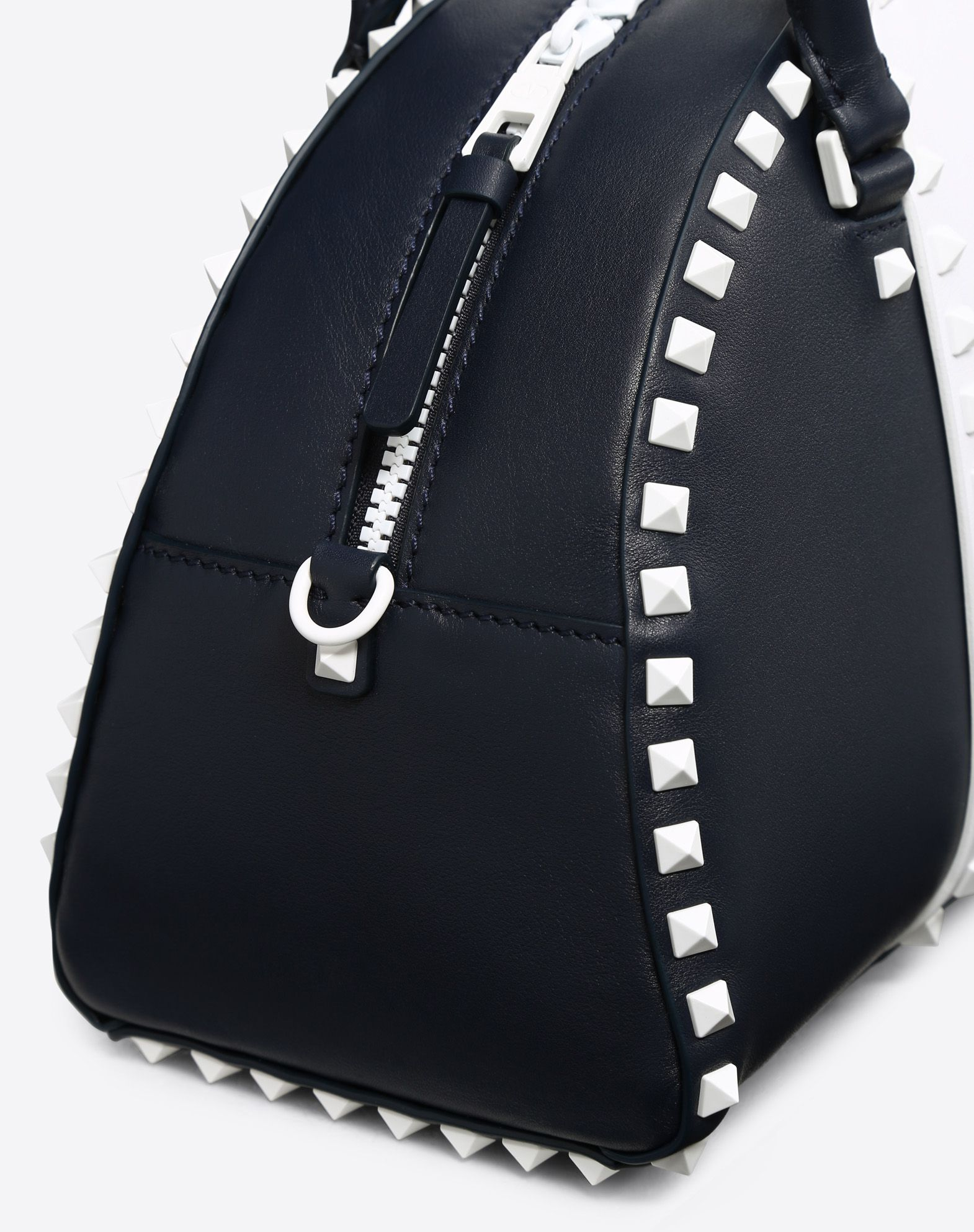 VALENTINO Studded Logo Two-tone Zip Internal zip pocket Removable shoulder strap  45401771fq