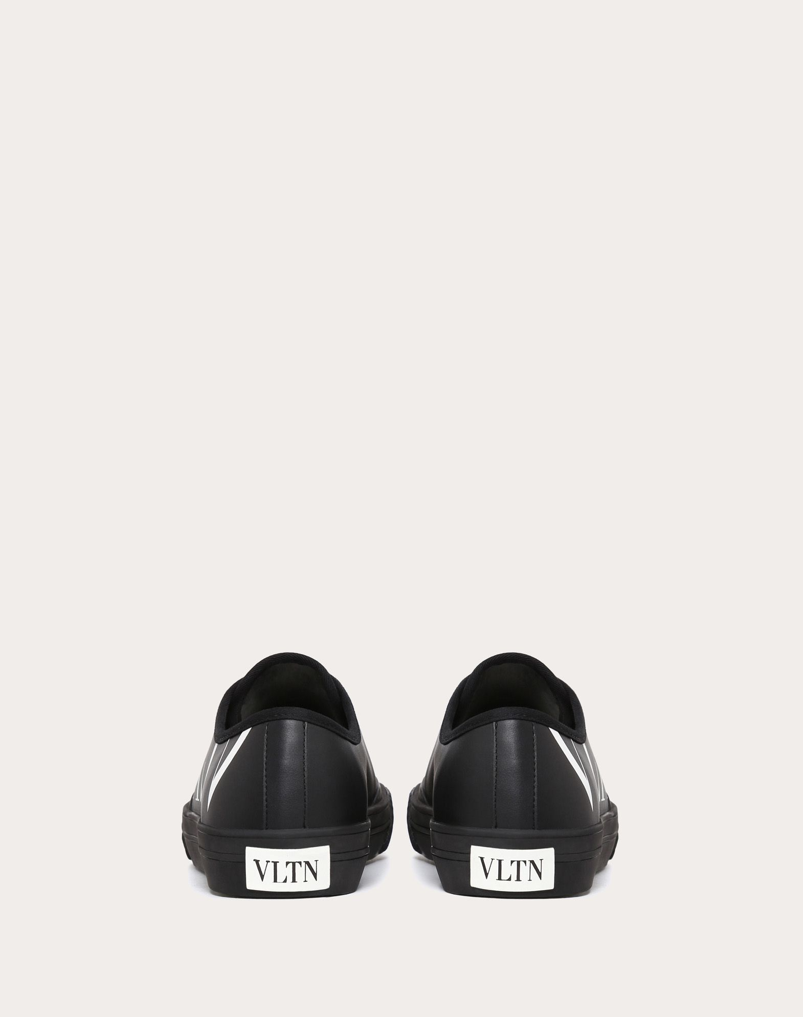 VALENTINO Logo Laces Rubber sole Solid color Leather lining  45406000ti