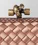 BOTTEGA VENETA KNOT CLUTCH STRETCH IN INTRECCIO IMPERO DAHLIA Pochette Donna ep