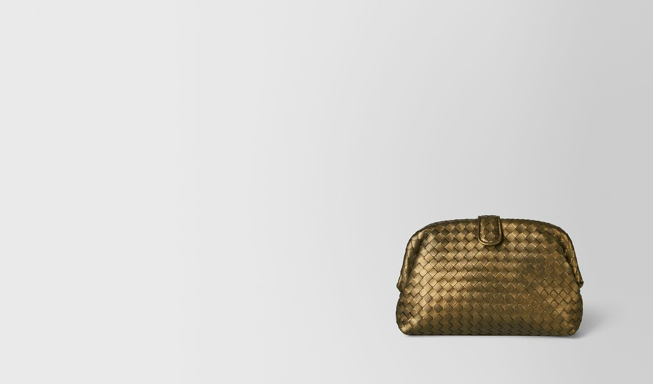 pochette the lauren 1980 in intrecciato nappa dark gold landing