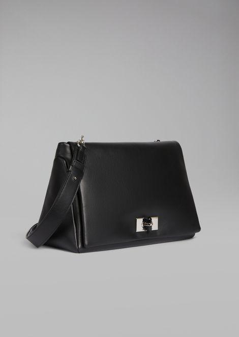 Bolso de hombro de napa bicolor con cierre giratorio de plexiglás