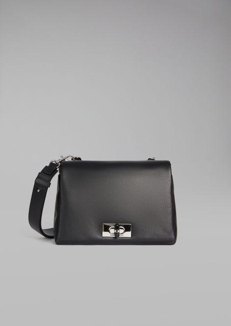 Bolso de hombro de napa de dos colores con cierre giratorio de plexiglás