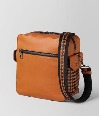 BORSA PILOT 18 IN VITELLO BUTTER ORANGE/NERO