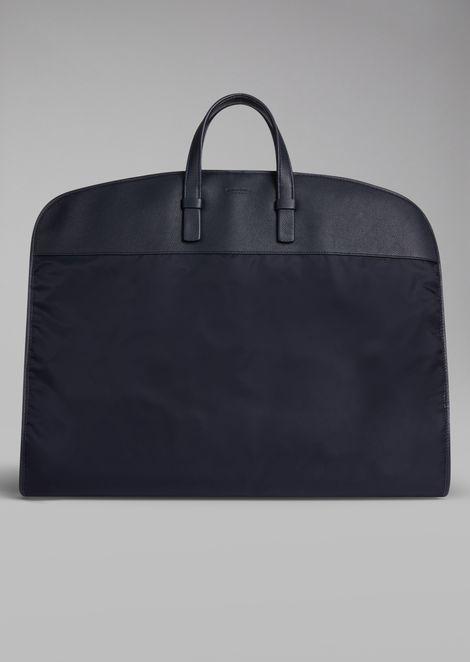 Porte costume en nylon avec empiècements en cuir