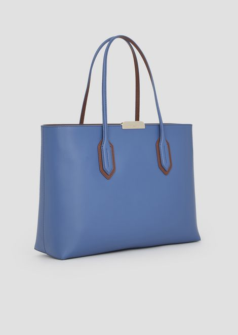 Tote bag with metal logo detail