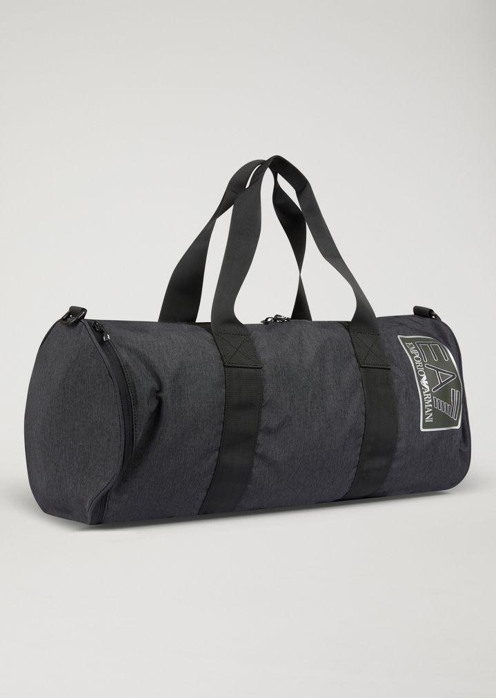 221dac76bf02 ... Train Visibility gym bag. EA7