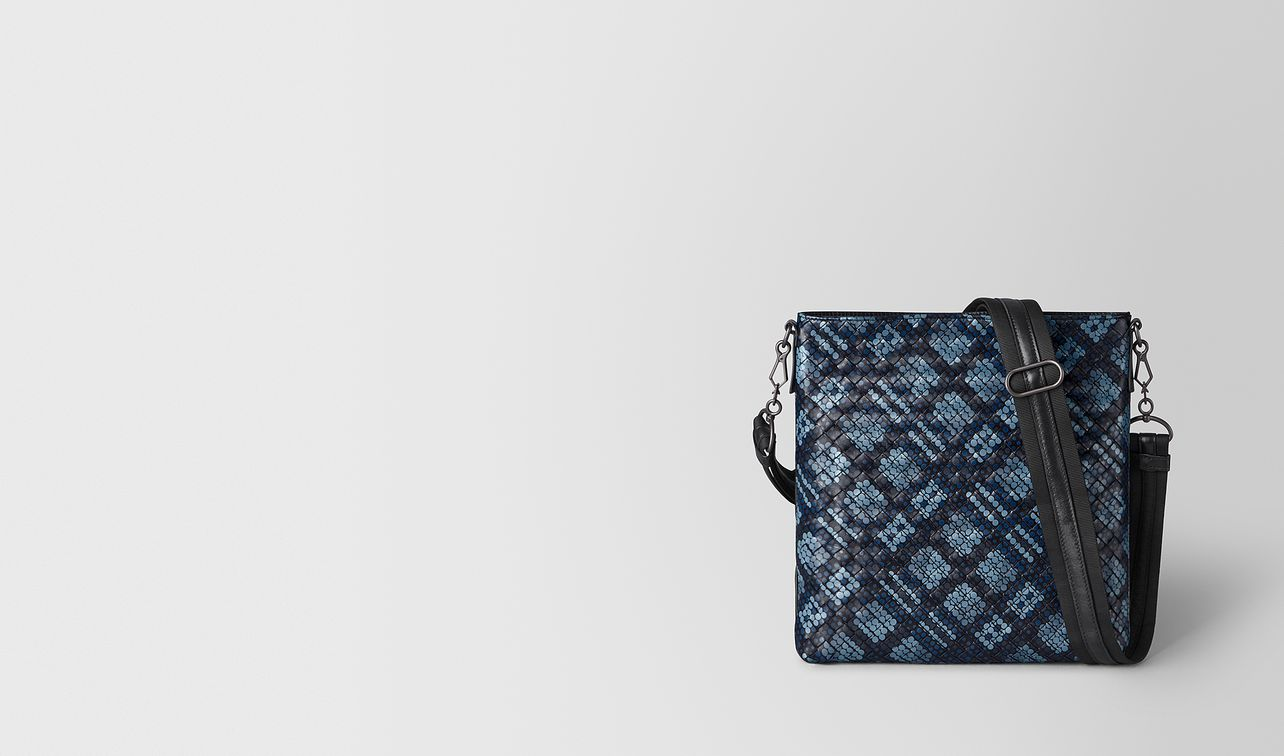messenger bag in tartan dots  landing
