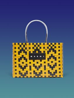 Marni MARNI MARKET E-W shopping bag in woven polypropylene with transparent black handles Man