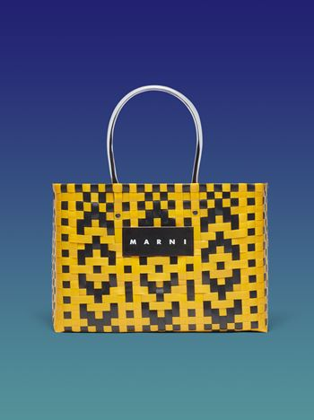 Marni MARNI MARKET E-W shopping bag in woven polypropylene with transparent black handles Man f
