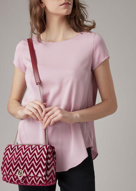 Shoulder bag in chevron design velvet
