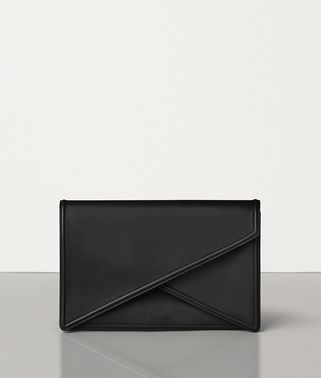 BV CLUTCH IN MATTE CALF LEATHER 09069ca1ec4db