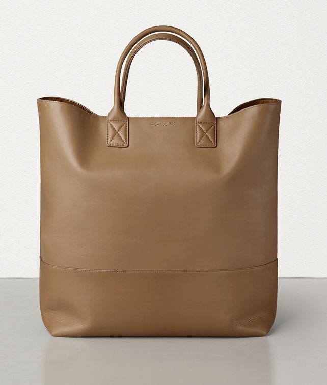BOTTEGA VENETA MAXI CABAT IN MATTE CALF LEATHER Tote Bag E fp