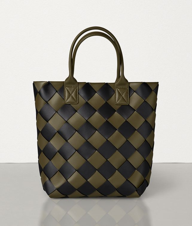 BOTTEGA VENETA MAXI CABAT 30 IN NAPPA Tote Bag [*** pickupInStoreShipping_info ***] fp