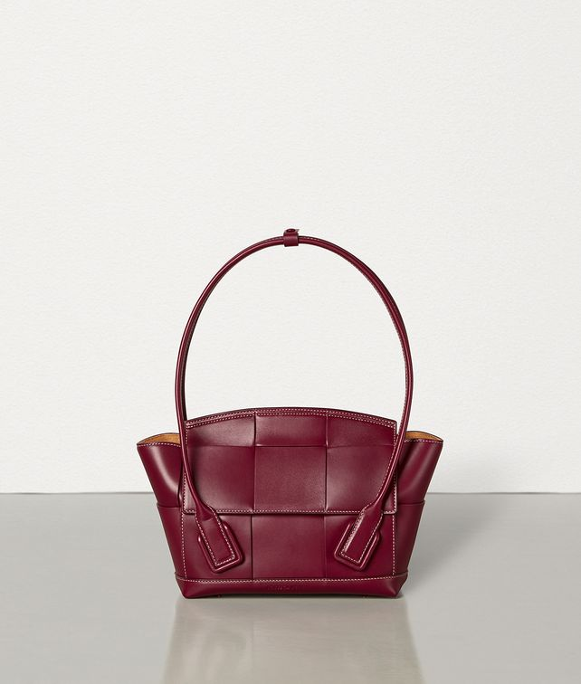 BOTTEGA VENETA ARCO 33 BAG IN FRENCH CALFSKIN Top Handle Bag [*** pickupInStoreShipping_info ***] fp
