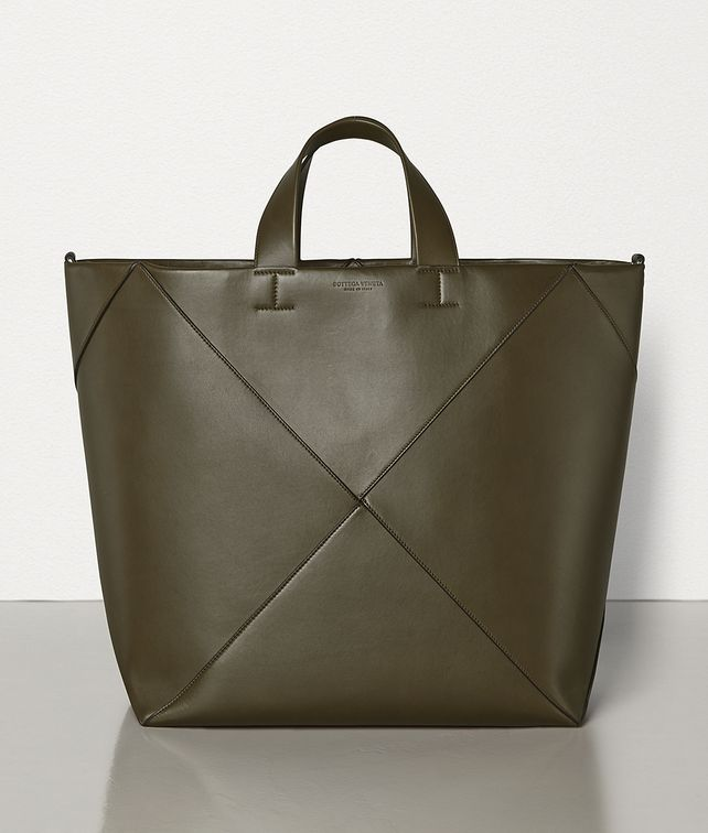 BOTTEGA VENETA LARGE TOTE IN BUTTER CALF Tote Bag Man fp