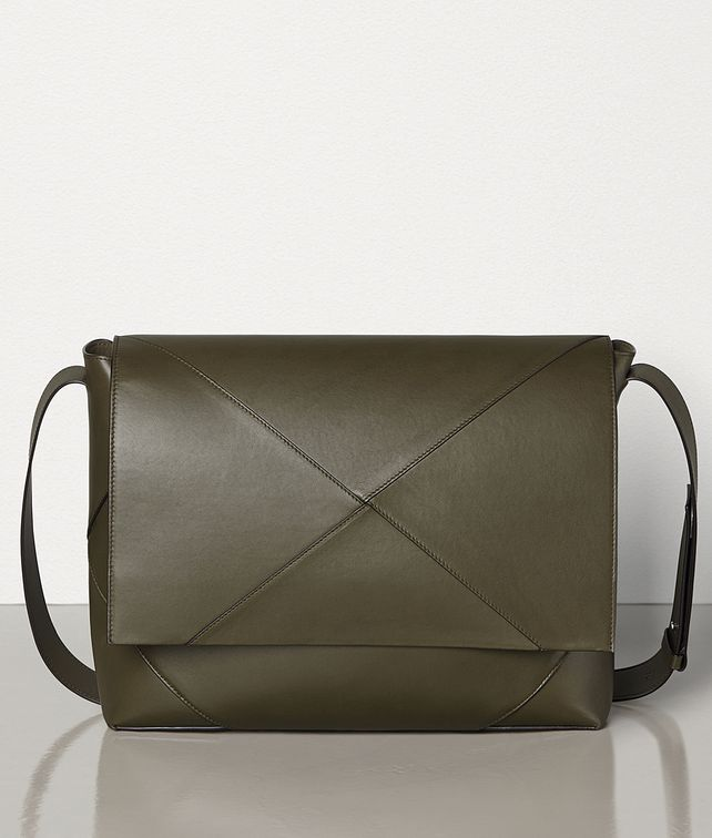 BOTTEGA VENETA MESSENGER IN BUTTER CALF Messenger Bag Man fp