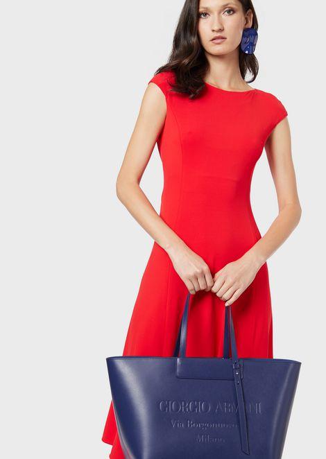 Большая сумка-шоппер из кожи стисненым логотипом втон