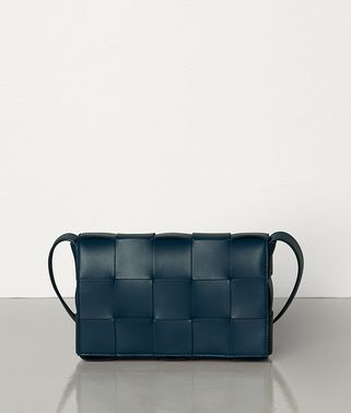 SMALL CROSS-BODY BAG IN MAXI INTRECCIO