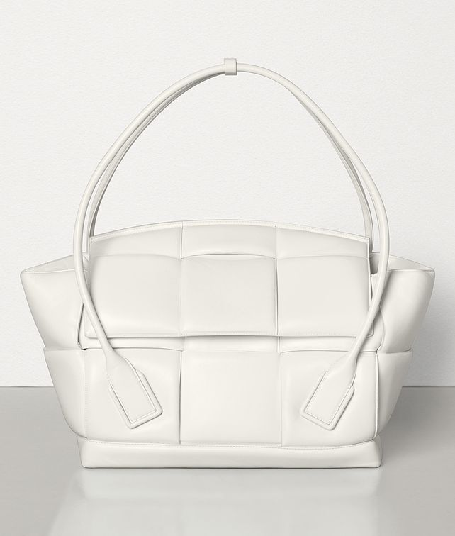 BOTTEGA VENETA LARGE ARCO Top Handle Bag [*** pickupInStoreShippingNotGuaranteed_info ***] fp