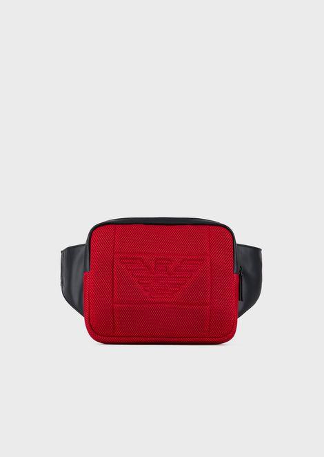 Riñonera con bolsillo de red y maxilogotipo de águila