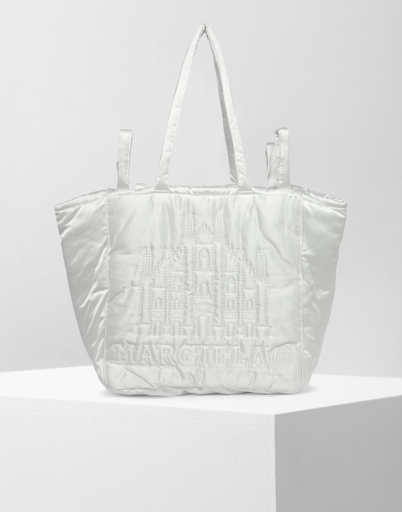 MM6 MAISON MARGIELA Berlin oversized padded bag Tote Woman f