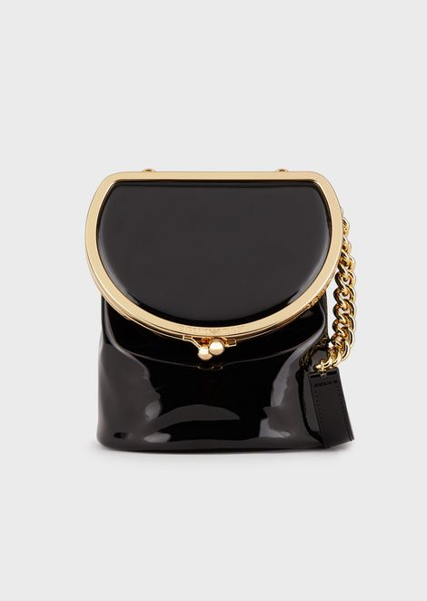 Shoulder bag in faux patent leather