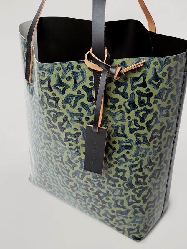 Marni Coated PVC shopping bag in black and Camo Cells print Man - 4