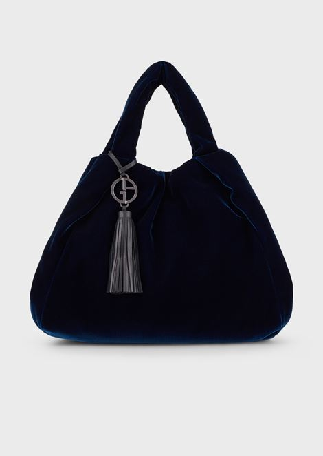 Velvet shopper with pendant