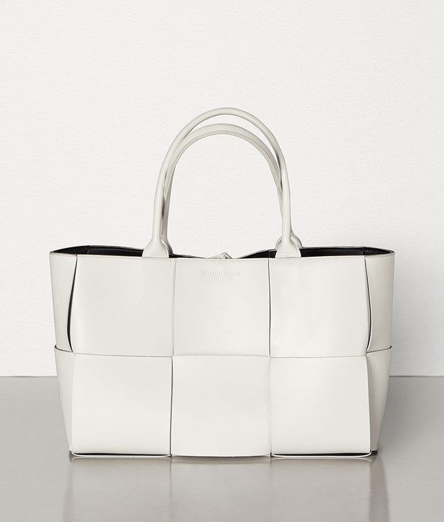 BOTTEGA VENETA ARCO TOTE Tote Bag [*** pickupInStoreShippingNotGuaranteed_info ***] fp