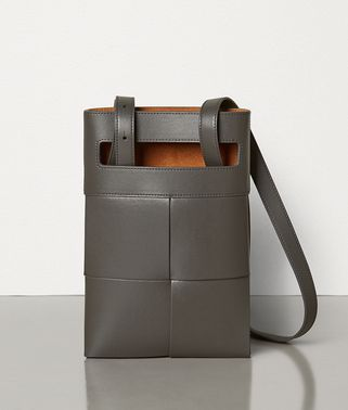 MESSENGER BAG IN CALFSKIN