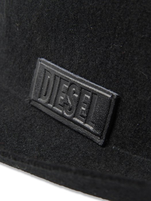 DIESEL CEROS Caps, Hats & Gloves D d