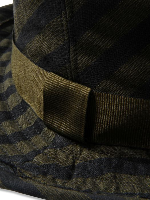 DIESEL BLACK GOLD CLASSON-WC Caps, Hats & Gloves U d