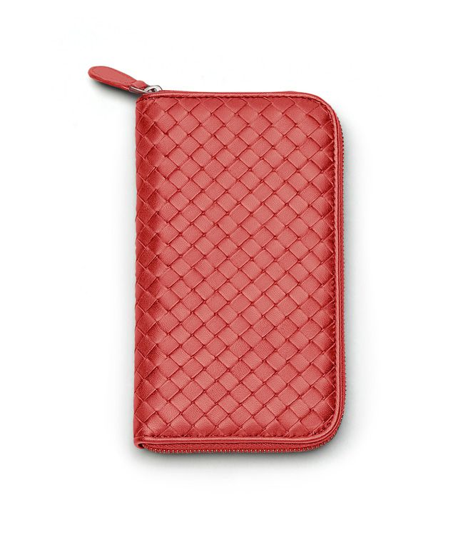 BOTTEGA VENETA ZIP AROUND WALLET IN BLOOD INTRECCIATO NAPPA Zip Around Wallet D fp