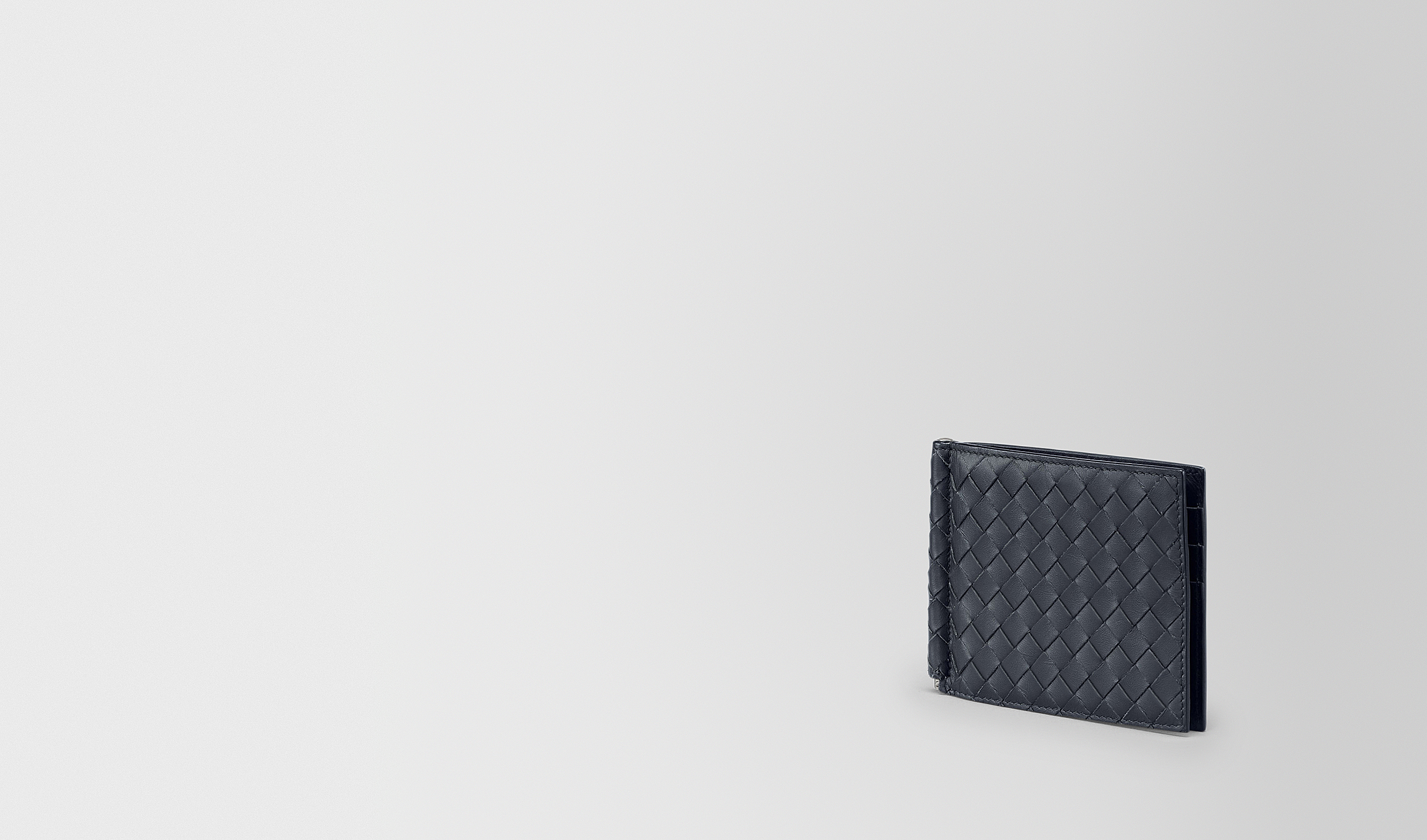 BOTTEGA VENETA Bi-fold Wallet U BI-FOLD WALLET WITH MONEY CLIP IN LIGHT TOURMALINE INTRECCIATO VN pl