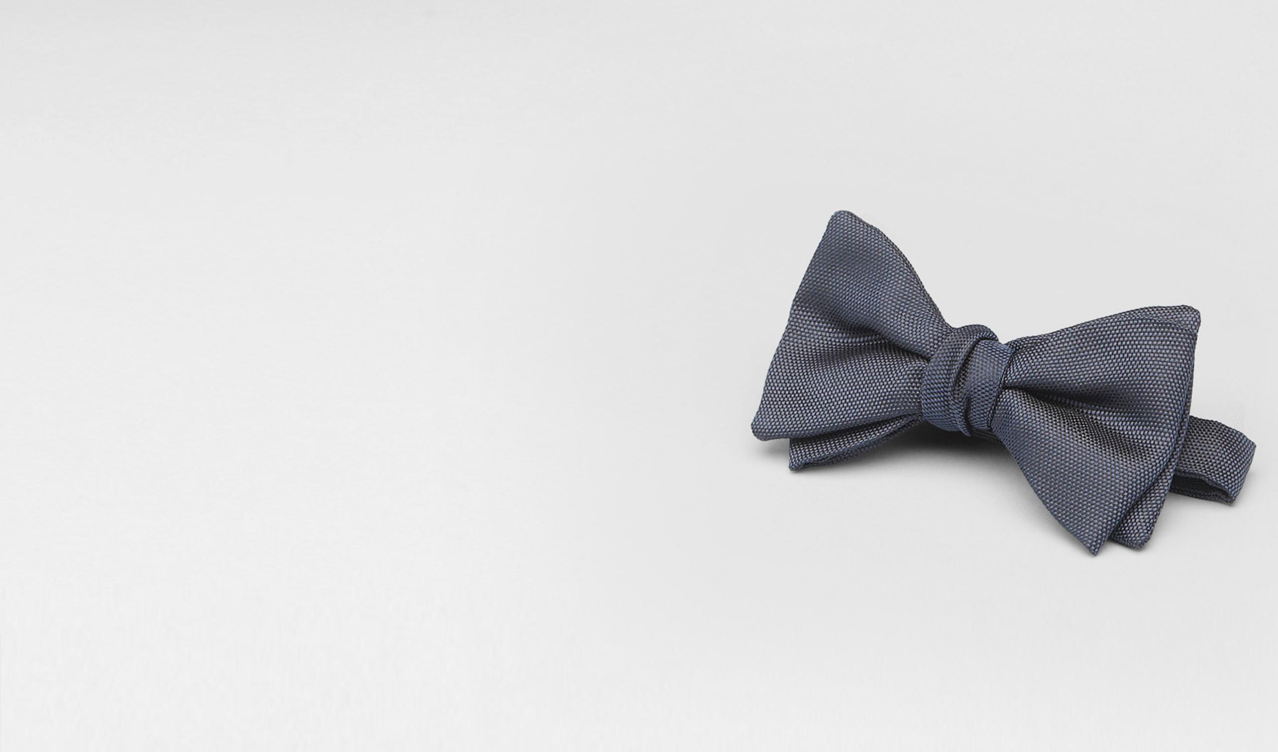 BOTTEGA VENETA Tie U Navy Silk Bow Tie pl