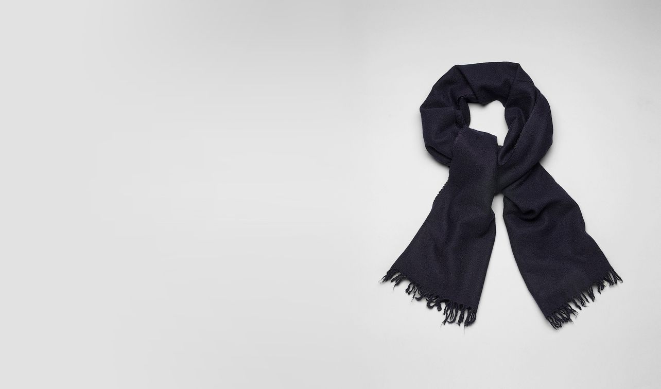 BOTTEGA VENETA Scarf or Hat or Glove U SCARF IN MIDNIGHT BLUE CASHMERE SILK pl