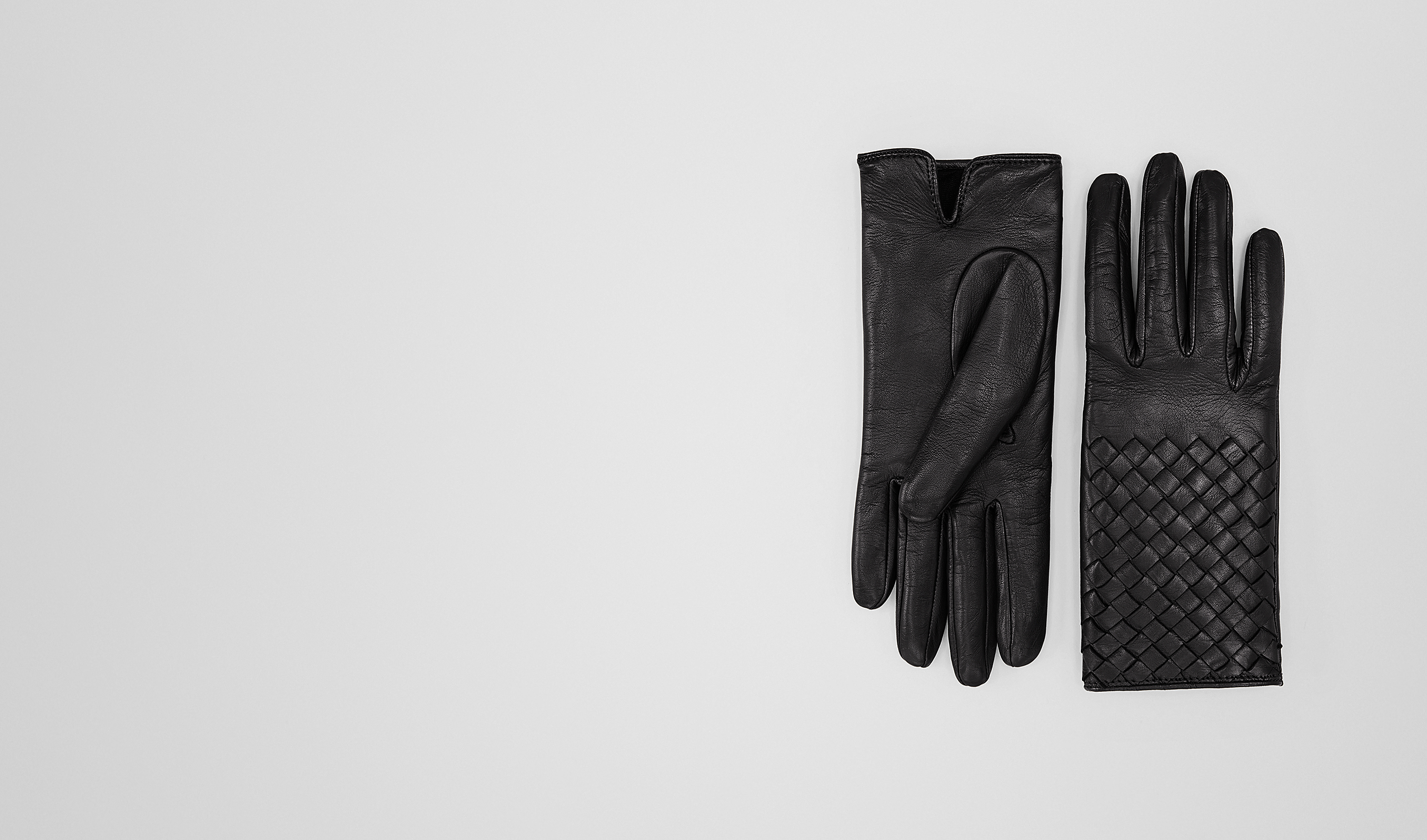 BOTTEGA VENETA Scarf or other D GLOVE IN NERO NAPPA, INTRECCIATO DETAILS pl