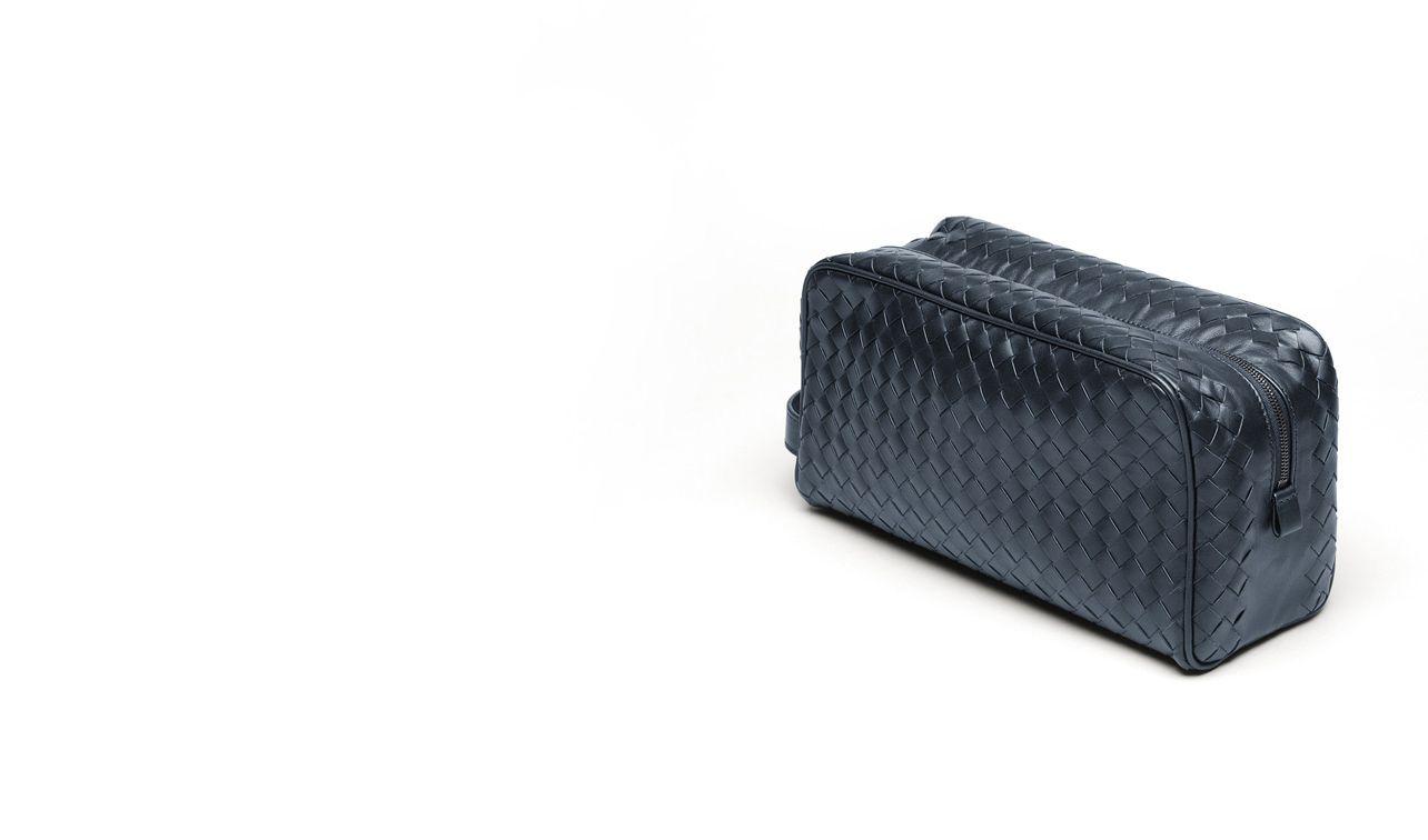 BOTTEGA VENETA Weiteres Leder Accessoire D Kosmetiktasche aus VN-Leder Intrecciato Celeste pl
