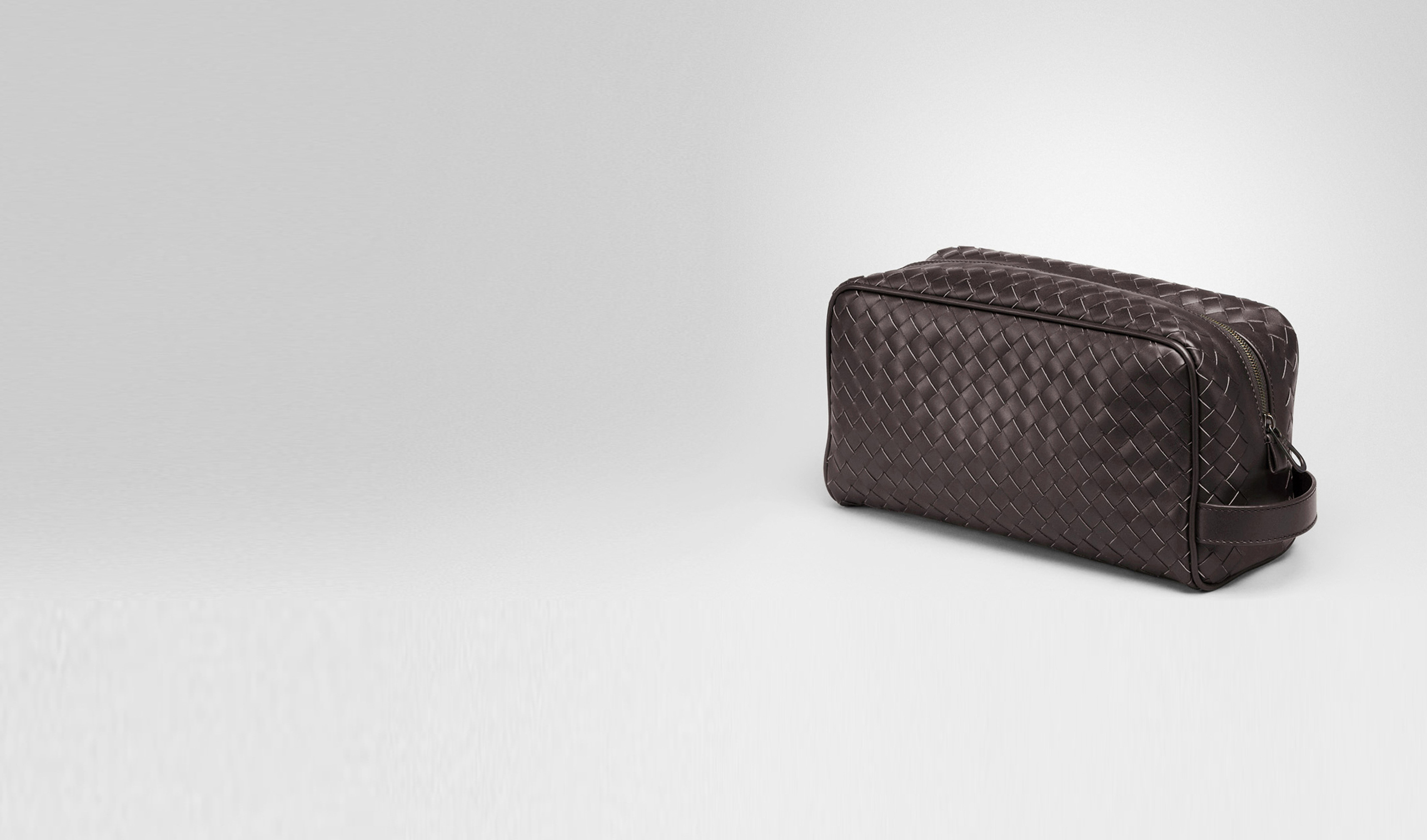 BOTTEGA VENETA Small bag U Ebano Intrecciato VN Toiletry Case pl