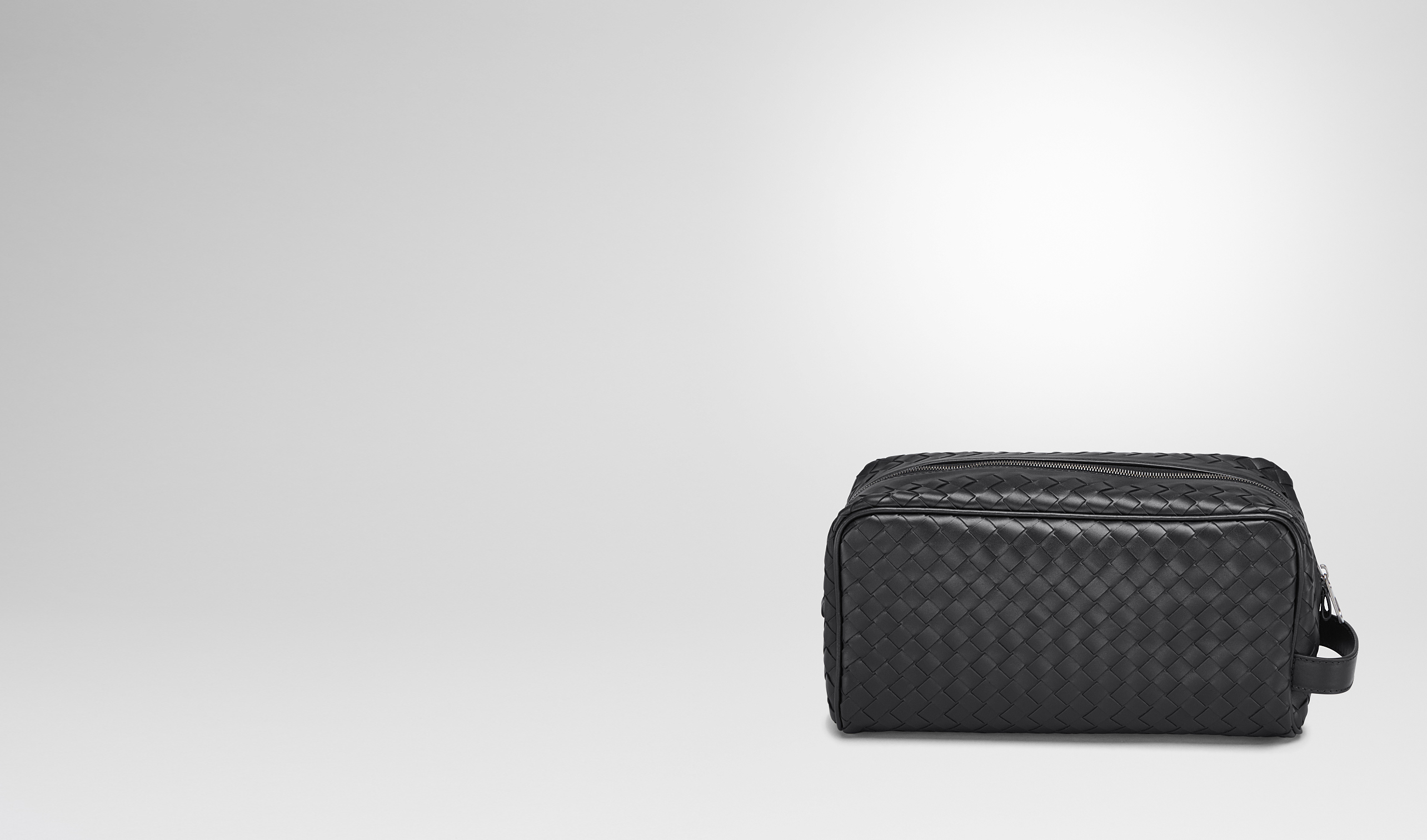 BOTTEGA VENETA Small bag U TOILETRY CASE IN NERO INTRECCIATO VN pl