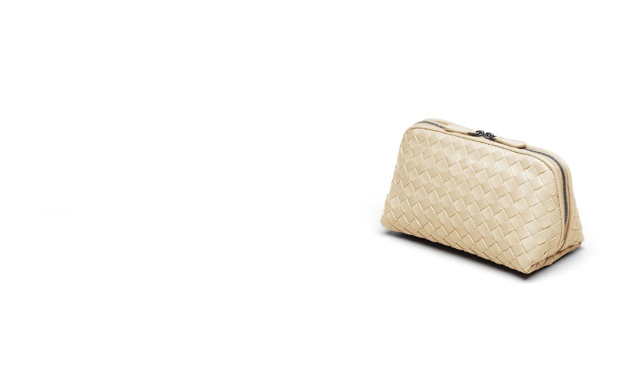 BOTTEGA VENETA Other Leather Accessory D MEDIUM COSMETIC CASE IN ANTIQUE INTRECCIATO NAPPA pl